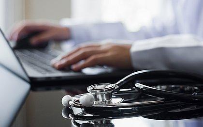 Esquema de falsos médicos na Bahia teve morte, plantão ilegal e registro fake