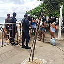 Acesso à praia do Porto da Barra será fechado para evitar aglomerações