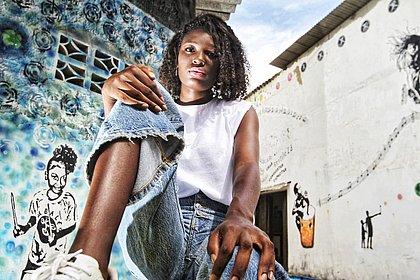 Rebeca Farias iniciou a sua carreira na moda após vídeo publicado no Instagram que foi publicado por Taís Araújo, Regina Casé e Ivete