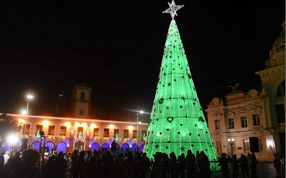 Nova Árvore de Natal de garrafa pet iluminada