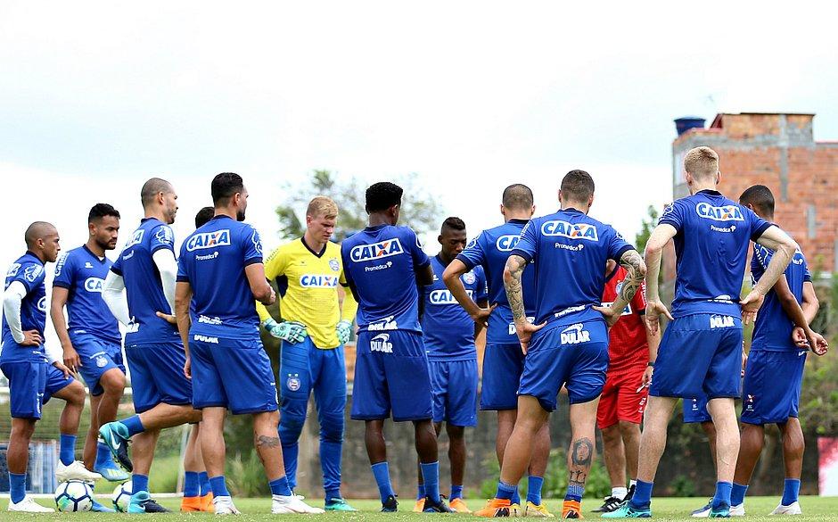 Elenco do Bahia vai encarar adversários diretos na luta contra o  rebaixamento nas próximas três rodadas (Felipe Oliveira   EC Bahia) 5dd2da44c7889