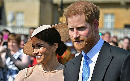 Família real britânica está chateada com saída de Harry e Meghan
