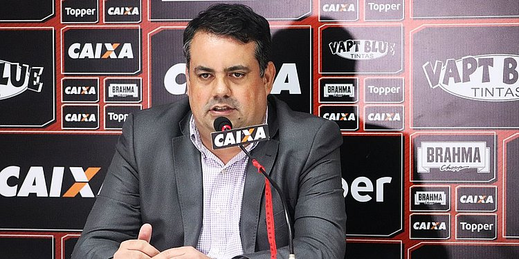 Em entrevista, Jorge Macedo conta como enfrentou crise no Vitória