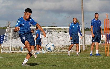Daniel veio do Fluminense e já virou titular no meio de campo do tricolor. Vai atuar como organizador das jogadas
