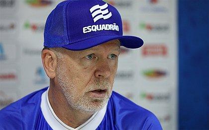 Treinador assumiu culpa por estratégia não ter funcionado diante do Red Bull Bragantino