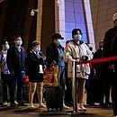 Com o fim do confinamento, moradores puderam deixar Wuhan