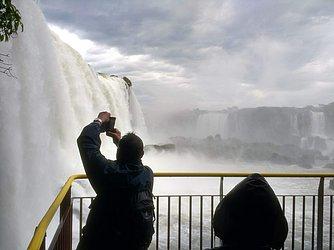 Cataratas encantam turistas de todo o mundo