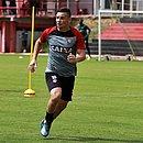 Meia Ruy busca reabilitação do Vitória na próxima rodada da Série B, contra o Sport