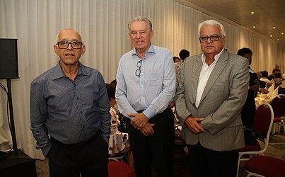 Idealizadores do projeto os arquitetos Otto Gomes e Fernando Frank além do estruturalista José Luiz Costa Souza queriam construir uma obra que fosse um marco para a cidade