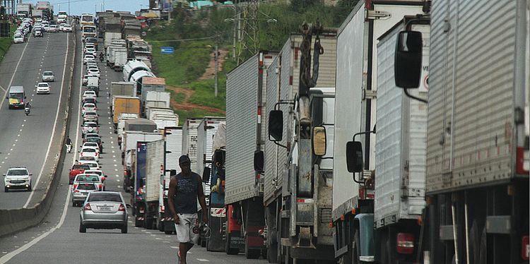 Rodovias começam a ser liberadas na Bahia; veja tudo sobre o protesto
