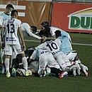 Equipe do Bahia de Feira comemora a vaga na final