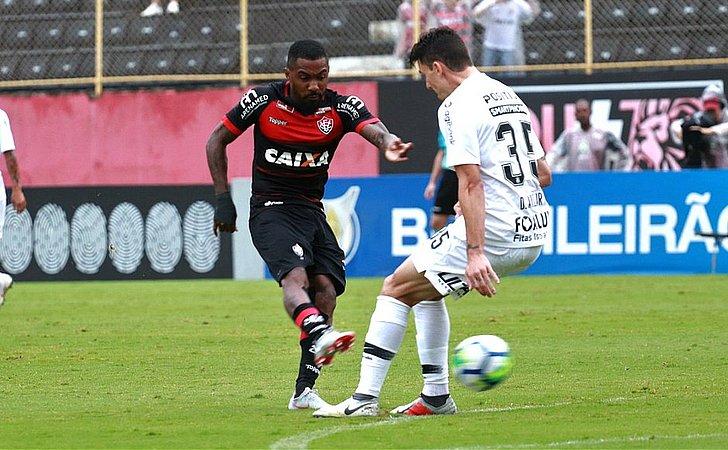 No Barradão, Vitória abre placar, Corinthians vira e Neilton salva