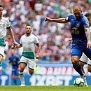 Fernandão jogou no time titular porque Gilberto sentiu lesão durante o aquecimento