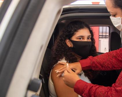 Salvador segue vacinação de adolescentes a partir de 14 anos nesta quinta-feira (16)