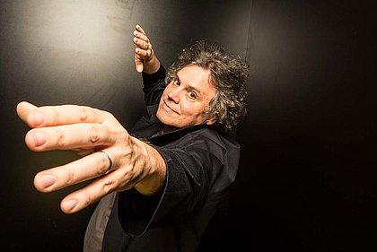 Arrigo Barnabé faz show na abertura, sexta-feira, 22