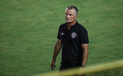 """""""Sabemos que a grife do Vitória é muito grande, que é clube de Série A, e que não podemos vacilar"""", disse Mazola"""