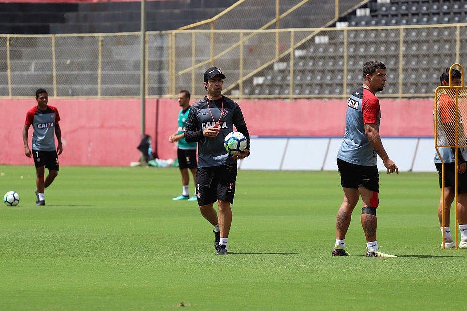 João Burse comandará o Vitória nas seis rodadas finais do Brasileirão ( Maurícia da Matta   EC Vitória) d81ff5653ee3a