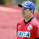 Enderson tem o desafio de fazer o Bahia voltar a vencer na Série A