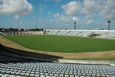 Inaugurado em 1975, o Almeidão fica em João Pessoa e recebe os jogos do Botafogo-PB