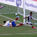Fernando Sobral fez o primeiro gol do Ceará após falha coletiva da defesa do Bahia