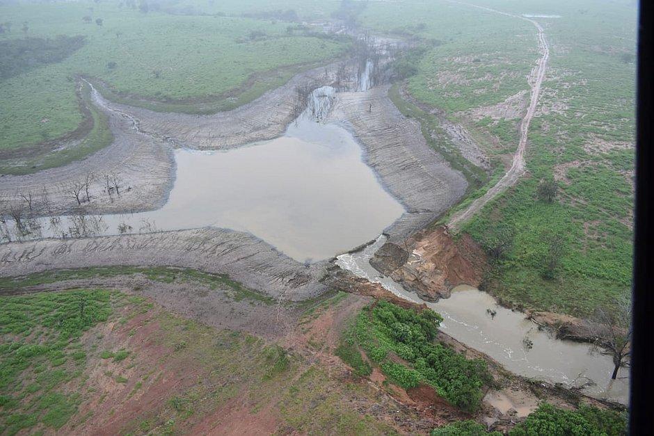 Efeito cascata pode ter provocado rompimento de barragem