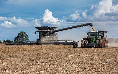 Vendas de máquinas agrícolas deve crescer 10% em 2019