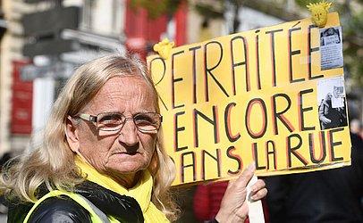 Manifestação de aposentados em em prol da manutenção das pensões em Marselha, sul da França.