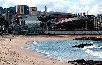 Casa do La Coruña, Estádio Municipal de Riazor tem vista para o mar