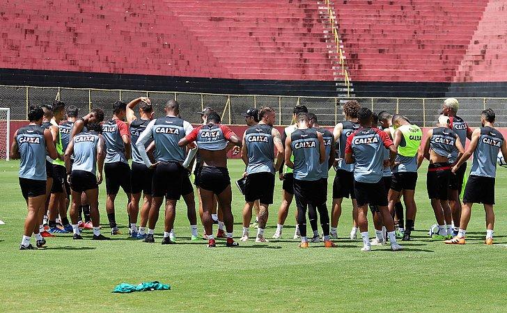 Com Benítez, Vitória está pronto para enfrentar o Sport