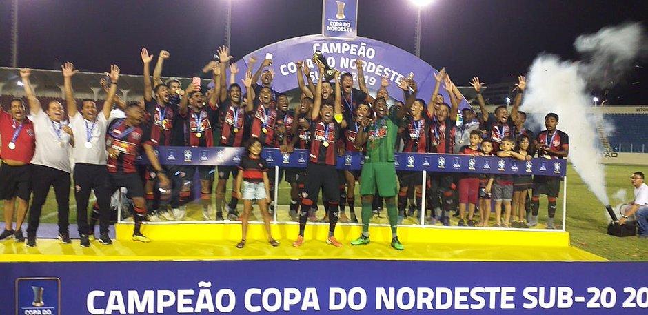 Vitória-BA campeão da Copa do Nordeste 2019. (Foto: Maurícia da Matta/EC Vitória)