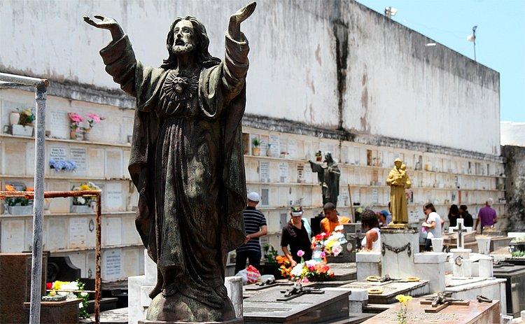 Brasileiros não se sentem preparados para lidar com morte, diz pesquisa