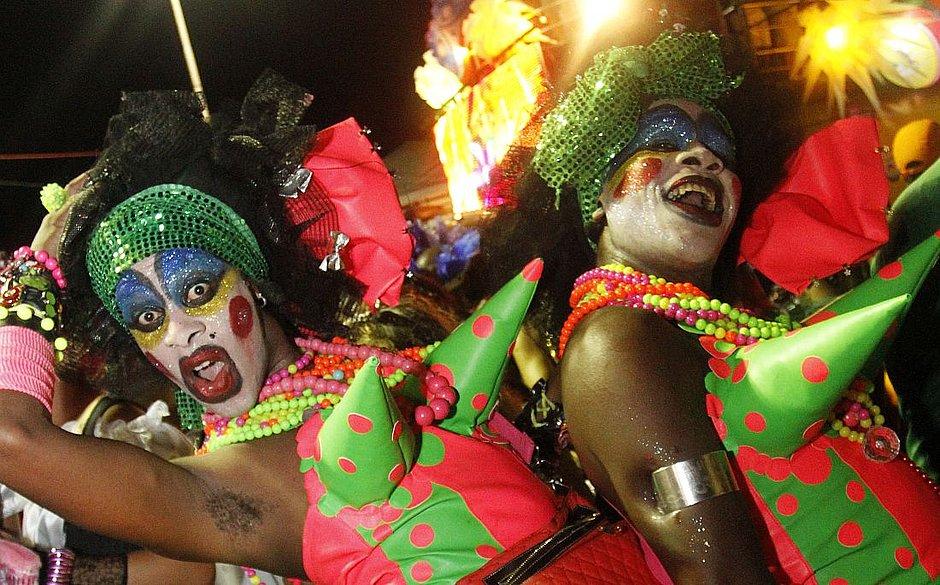 89a5c79355 Cenas de Carnaval  o Trio Saborosa. (Marina Silva 08.02.2013 Arquivo CORREIO )