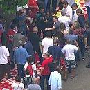 Lula chega ao sindicato em São Bernardo do Campo (Foto: TV Globo/reprodução)