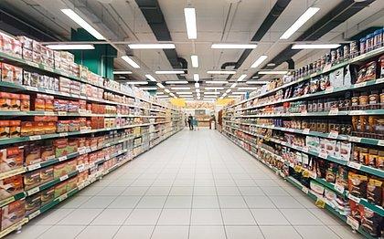 Confira cinco estratégias para economizar na hora de ir ao supermercado