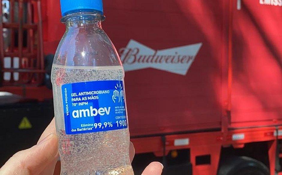 Ambev inicia entrega de 30 mil unidades de álcool em gel à Bahia