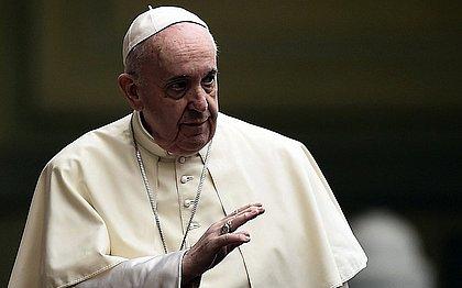 """Ainda estou vivo, embora alguns me quisessem morto"" diz papa Francisco"