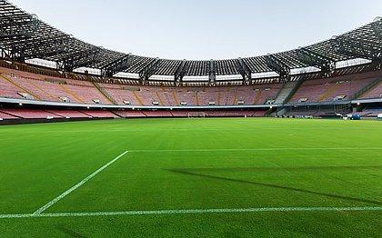Estádio do Napoli agora leva o nome de Diego Armando Maradona