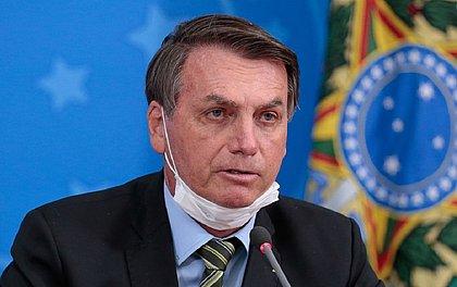 'Jamais entregaria meu celular', diz Bolsonaro sobre pedido de partidos ao STF