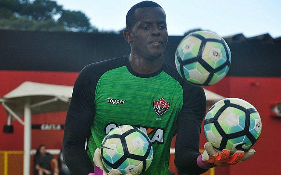 O contrato de Caíque com o Vitória foi renovado até dezembro de 2021