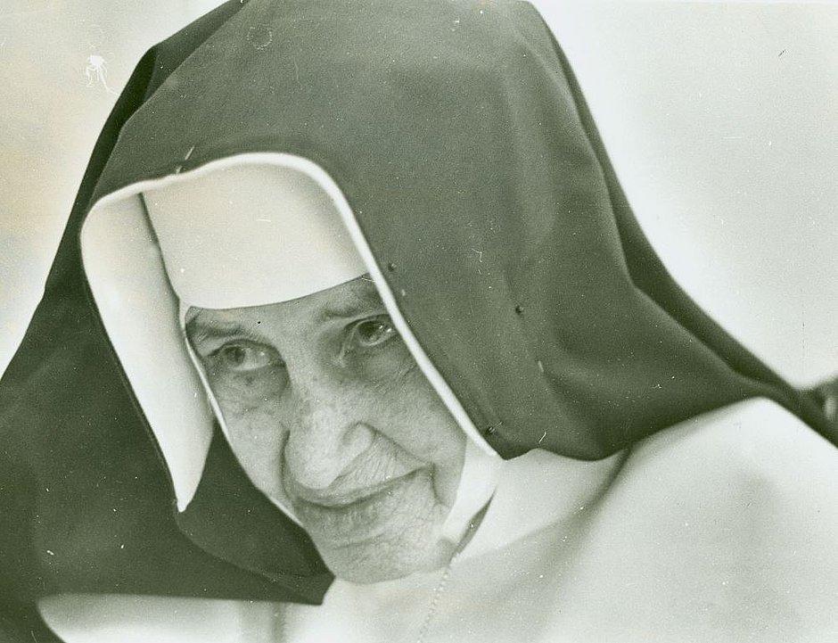 Do galinheiro à afronta de poderosos, Irmã Dulce sempre foi santa