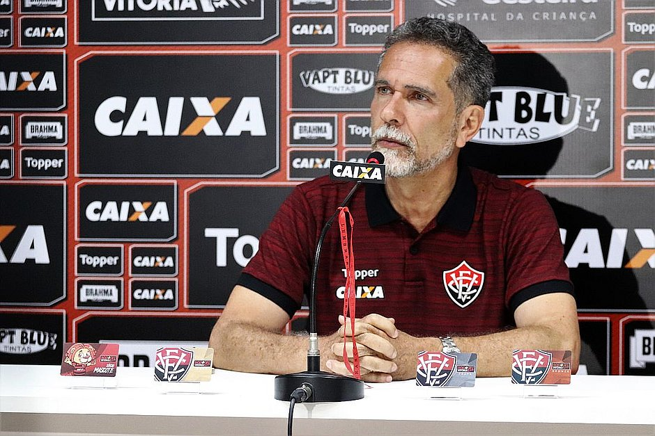 4fb71590efcdf Ricardo David acredita que grupo está mais leve após saída de Carpegiani ( Mauricia da Matta ECVitória Divulgação)