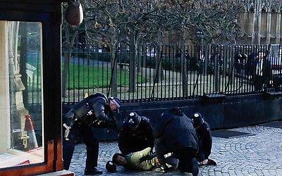 Um homem é detido pela polícia após um incidente em uma das casas do Parlamento, no centro de Londres.