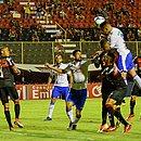 Elton sobe sozinho e faz o primeiro gol do São Bento no Barradão