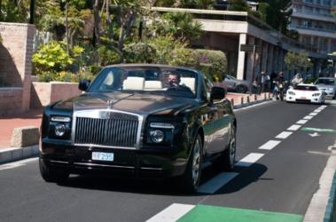 O jogador do Milan com outro Rolls-Royce, o Phantom Drophead