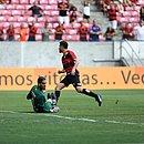 Goleiro Ronaldo foi o destaque da partida contra o Sport
