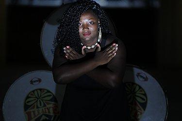 Geisiane Silva Pereira: 25, manicure domiciliar. Para lutar contra o preconceito contra mulheres negras e gordas. Por mais cultura na minha cidade. E a realização de um sonho. @geysy.funk