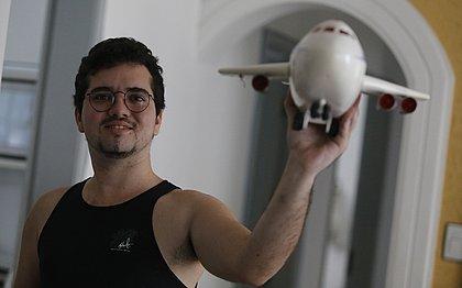 Matheus Guerra, piloto e instrutor de aviação atacado por urubu