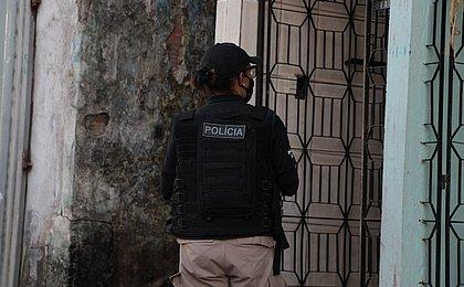 Idoso que abusava da afilhada de 12 anos é preso em Amargosa