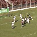 Edson marca o gol do Vitória diante da União Barbarense