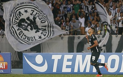 Botafogo vence e deixa Corinthians estagnado na tabela